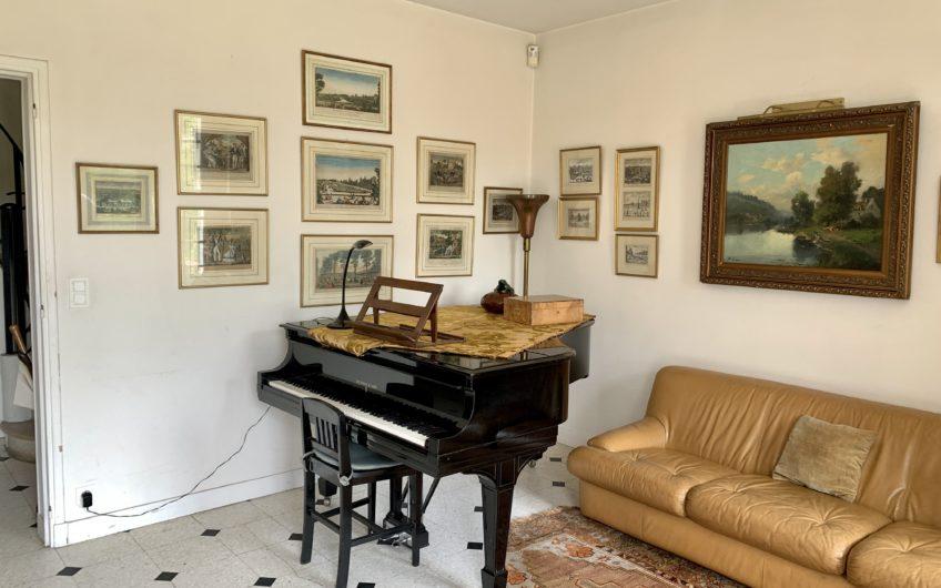 A VENDRE – Viager occupé- Magnifique maison de 266m2 sur une propriété d'1 hectare 350 à Montigny-sur-Loing